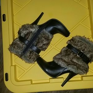 Forever 21 faux fur/leather heel booties